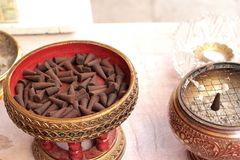 Группы конусов ладана ароматичные коричневые Стоковое фото RF