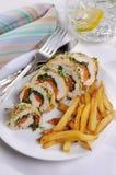 Грудной валик цыпленка с шпинатом и морковами Стоковая Фотография RF