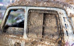 Грязь на автомобилях SUV стоковые фото