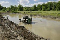 грязь chuggars вытягивает трактор штока Стоковое фото RF