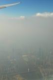 Гуанчжоу в тумане и помохе, городе Китая под загрязнением воздуха, загрязнением воздуха города Гуанчжоу, фарфора, башни Гуанчжоу  Стоковое фото RF