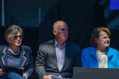 Губернатор Джерри Брайн с сенаторами Feinstein & саммитом 10 Boxer20th ежегодным Лаке Таюое Стоковые Изображения