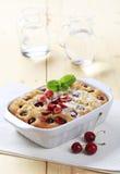 губка вишни торта Стоковая Фотография