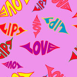 Губы влюбленности помечая буквами безшовную картину также вектор иллюстрации притяжки corel Предпосылка дня Валентайн Стоковые Изображения