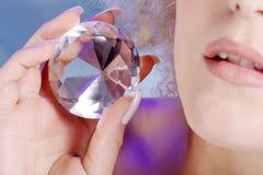Губы и руки с диамантом Стоковое Фото