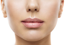 Губы, красота рта стороны женщины, крупный план губы красивой кожи полный