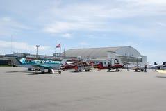 гудронированное шоссе самолетов Стоковая Фотография RF