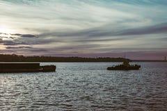 Гуж вытягивает баржу Стоковые Фото