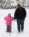 гулять мати ребенка Стоковое фото RF