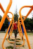 гулять моста мальчика Стоковые Фотографии RF