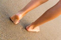 Гулять на пляж Стоковое фото RF