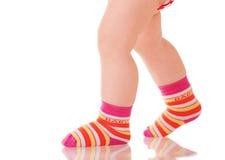гулять ног младенца Стоковое Фото