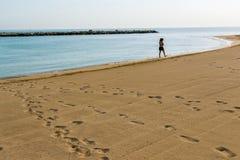 гулять песка стоковые фотографии rf