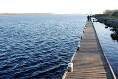гулять пристани Стоковые Изображения