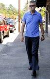 гулять человека Стоковая Фотография