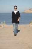 гуляя женщины Стоковое фото RF