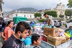 Гуманитарная помощь после извержения вулкана Fuego, Антигуа, Guatemal Стоковые Фотографии RF