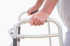 гулять старшия человека Стоковые Фотографии RF