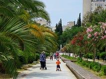 гулять людей парка Стоковые Изображения RF