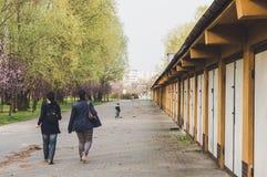 гуляя женщины Стоковое Изображение