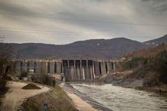 ГЭС Perucac на реке Drina стоковые изображения rf