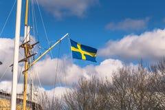Гётеборг, Швеция - 14-ое апреля 2017: Флаг Швеции в Gothenbur Стоковые Фотографии RF