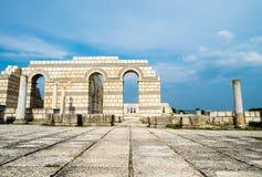 Главная мостоваая с сводами в большой базилике Pliska Стоковые Изображения RF
