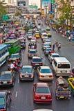 Главная дорога в Бангкоке в после полудня Стоковая Фотография