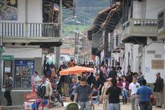 Главная улица в маленьком городе близко к Боготе Стоковая Фотография
