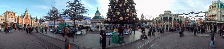 Главная улица ДИСНЕЙЛЕНДА ПАРИЖА Стоковая Фотография RF