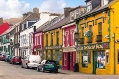 Главная улица dingle Ирландия Стоковые Изображения RF