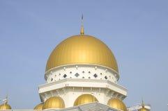 Главный купол мечети a городка Klang королевской K Masjid Bandar Diraja Klang Стоковое Изображение RF