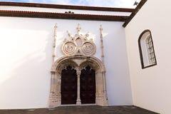 Главный портал Святого Sebastian Igreja Matriz de Sao Sebastiao в Ponta Delgada, Sao Мигеле, Азорских островах, Португалии Стоковое Фото