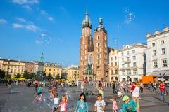 Главным образом рыночная площадь Проект для общественных мест PPS перечисляет квадрат как самое лучшее общественное место в Европ Стоковые Фотографии RF