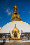 глаза Будды Глаза премудрости Будды в Swayambhunath Stupa после землетрясения, Катманду, Непале Стоковое Изображение RF