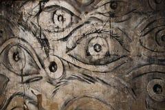 Глаза на стене стоковое изображение