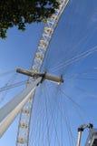 Глаз Лондона в голубом небе Стоковая Фотография RF