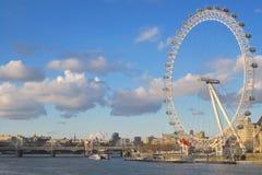 Глаз Лондона и река Темза Стоковые Фотографии RF