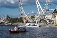 Глаз Лондона от Вестминстера Стоковая Фотография