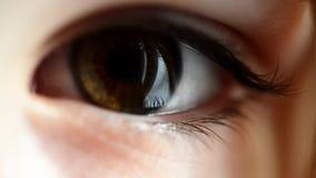 Глаз ребенка видеоматериал