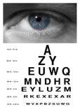 Глаз человека с концом диаграммы зрения испытания вверх Стоковая Фотография RF