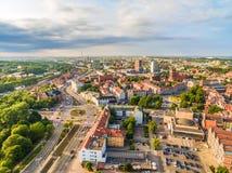 Гданьск - городской от взгляда глаза ` s птицы Ландшафт города Гданьска с горизонтом Стоковые Фото