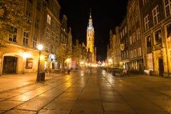 Гданьск, Польш-сентябрь 19,2015: Башня ратуши и основы стоковые изображения rf