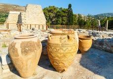Глина раздражает на дворце Knossos, Крита, Греции Дворец Knossos самые большие археологические раскопки бронзового века на Крите  стоковые изображения rf