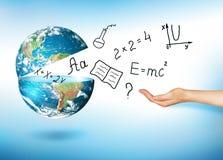 Глобус и символы школы принципиальная схема воспитательная Иллюстрация 3d воспитательной концепции задняя школа принципиальной сх Стоковое Изображение RF