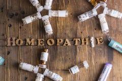 Глобулы и бутылки гомеопатии Стоковое фото RF