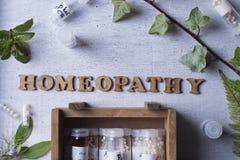Глобулы и бутылки гомеопатии Стоковое Изображение