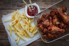 глубоко зажаренный цыпленок стоковая фотография rf