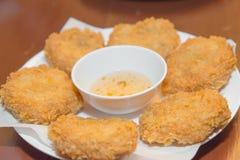 Глубок-зажаренная креветка испечет в тайском меню еды Стоковое Фото