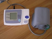 давление монитора крови Стоковые Фотографии RF